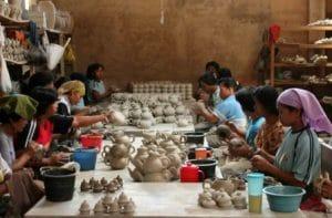Sentra Gerabah Kasongan | Pusat Kerajinan Gerabah & Tanah Liat di Yogyakarta