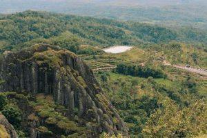 Gunung Api Purba Nglanggeran | Menikmati Keindahan Alam Yogyakarta di Atas Puncak