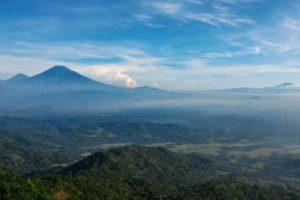 Puncak Suroloyo | Lokasi Terbaik Menikmati Sunrise di Yogyakarta