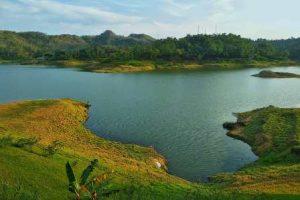 Waduk Sermo, Kulon Progo | Spot Terbaik Untuk Hunting Foto Pre-Wedding