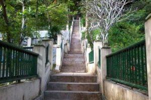 Wisata dan Air Terjun Goa Selarong
