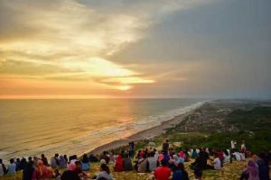 Bukit Paralayang Watu Gupit | Lokasi Tepat Menikmati Sunset di Yogyakarta